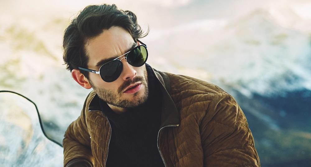 ضرورت استفاده از عینک آفتابی در روزهای برفی